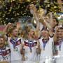Alemania venció 1-0 al equipo de Argentina en un intenso partido en Brasil. Los alemanes se convierten en el primer país europeo en obtener la Copa del Mundo en América.