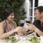 Para el bienestar, se promueve una copa de vino tinto al día, además de la ingesta de ciertos alimentos placenteros para el cuerpo.
