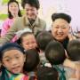Kim Jong-un durante una visita a un orfanato en Pionyang, Corea del Norte.