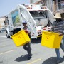 Las brigadas trabajan a diario en  el recogido de plástico, cartón y aluminio.