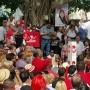 David Bernier se dirige a los seguidores que se congregaron en la Plaza Santiago R. Palmer de Caguas.