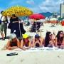 Decenas de mujeres hicieron campaña en la playa de Ipanema.