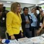 La presidenta de la CEE supervisó el proceso en varias escuelas de votación.