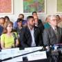Miembros del Frente Unido en Contra las Fumigaciones Aéreas y de la Asociación Nacional de Derecho Ambiental durante su participación en una reunión sobre fumigación con Naled.