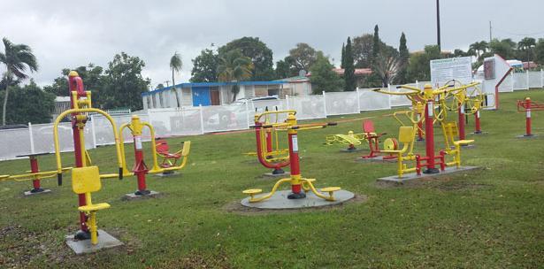 Inaugurar n gimnasio al aire libre en lo za - Mobiliario de gimnasio ...