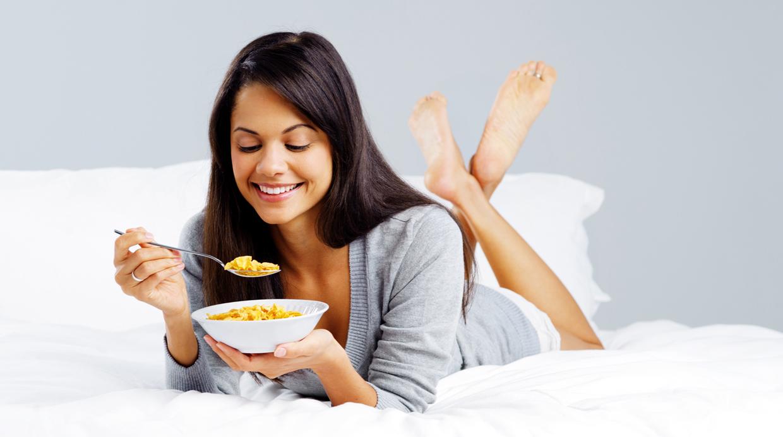 6 alimentos que no debes comer por la noche - Alimentos que no engordan por la noche ...