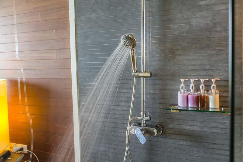 Baño Quimico Con Ducha:Truquito para limpiar la ducha sin químicos