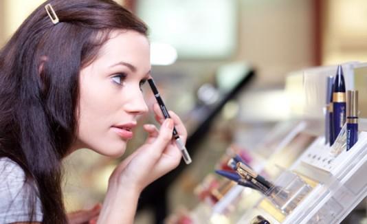 251d7c63c 10 errores al comprar maquillaje