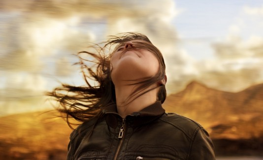 Resultado de imagen de images  mujer y una brisa